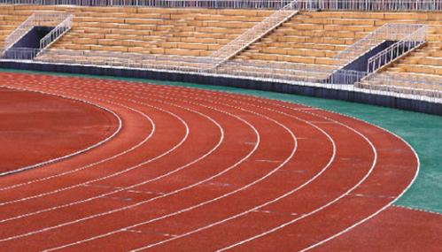 跑道应该用什么地坪漆施工?