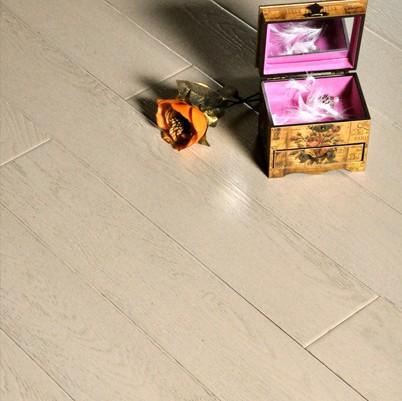 那建议您采用白桦木地板