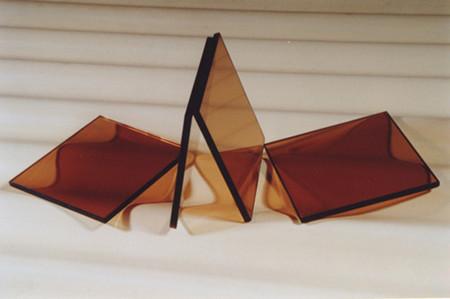 家具购物常识:茶色玻璃的选择