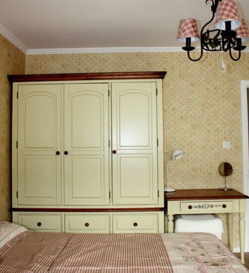 图片   2015衣柜设计图   现代简约二居室卧室床装修效果图