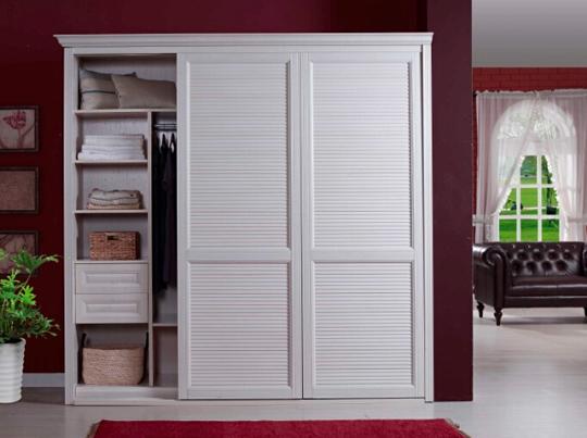 消费者不仅注重衣柜实用性也注重风格