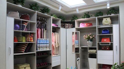 瑞丽宜家 专项定制服务给你最好的衣柜体验
