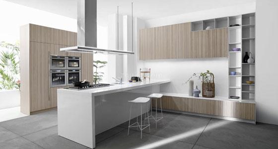 木色的整体橱柜,搭配白色的厨台