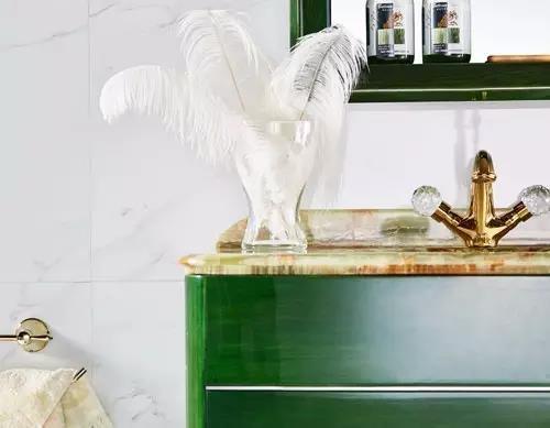 恋上玫瑰岛浴室柜,最为惊艳是祖母绿