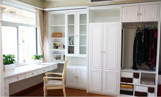 定制衣柜和成品衣柜哪个更好?