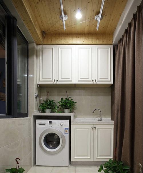 阳台晾衣架效果图小阳台中晾衣架的完美布置方案