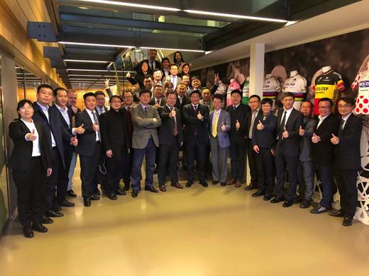 圣象商务团访问尤尼灵集团,携手共创引领家居未来!