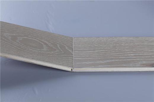 大卫地板E0级多层实木复合评测 | 栎木 灰调情怀