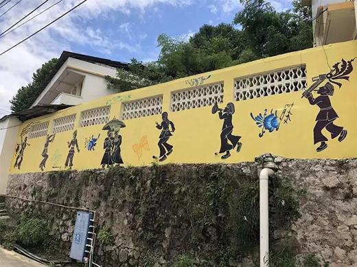 焕彩墙绘惊艳落幕 刷新丹寨小镇色彩正能量