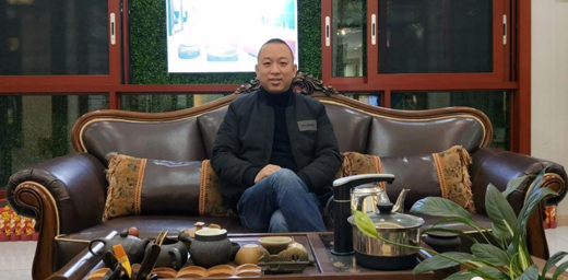 飞宇门窗著名品牌赵文平:从细节处服务客户