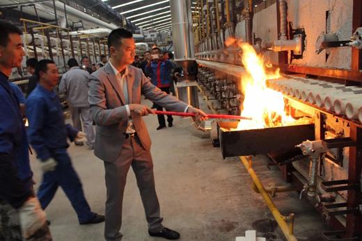 索菲亚陶瓷日产3.5万方瓷片线成功点火,产品将全线升级!