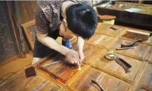 没法完全用机器替代的工艺,木质品打磨方法与技巧解析!