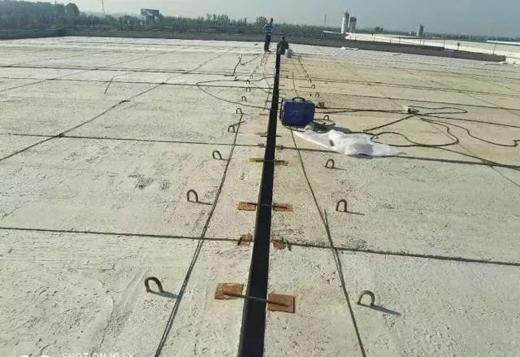 实例!来看经典屋面防水保温一体化系统施工?