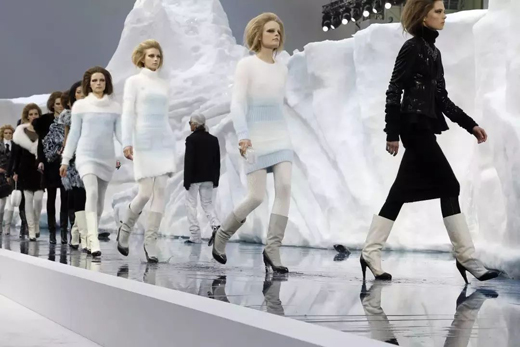 时尚界老佛爷   不止时装,更是空间创意大师