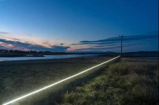 """芬兰艺术家设计""""光的警戒线"""",背后意义重大"""