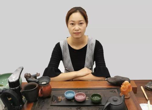 祝贺浙江临海「褚春芳」女士与梵高瓷砖签约!