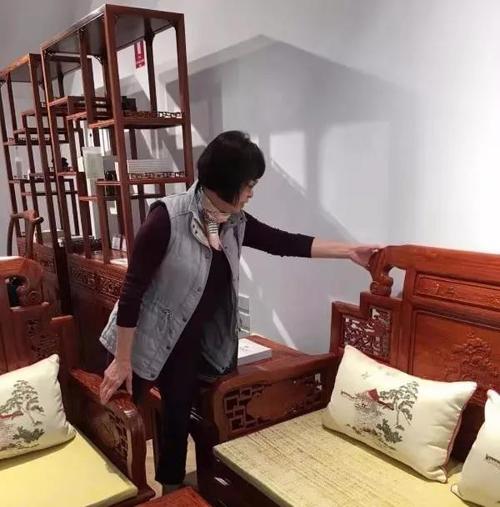 巧夺天工十大红木家具坐落澳大利亚,客人洛泽不绝