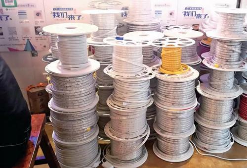 贵州贵阳灯带市场:线型灯带比较受商家热棒
