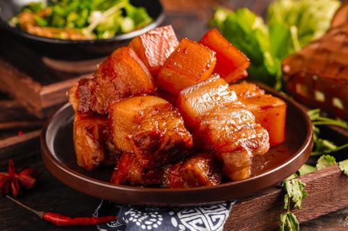 大红鹰集成灶:随心烹饪 纵享美味