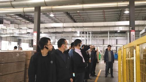 热烈欢迎国家木竹产业技术创新战略联盟专家委员莅临世友地板
