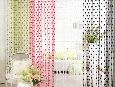 什么颜色的客厅窗帘搭配最协调?